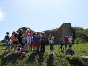 Children from St Anne gather to appreciate Fort Tourgis